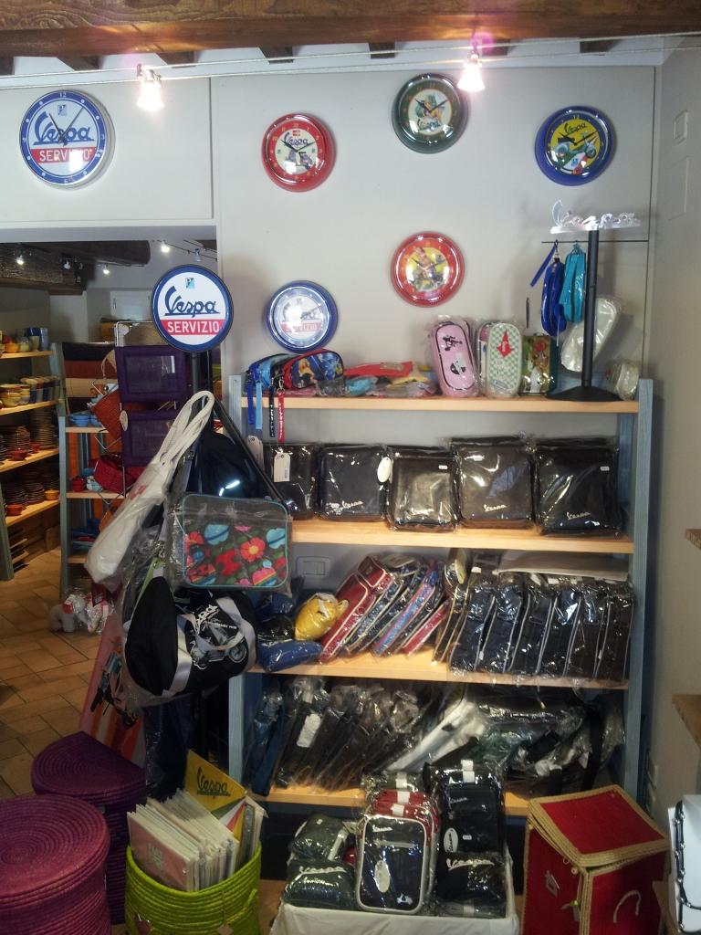 Vespa Piaggio corner al Maremma Style Shop