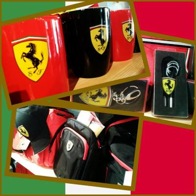 T-shirt Scuderie Ferrari ORIGINALI (disponibili in rosso o nero, varie taglie)