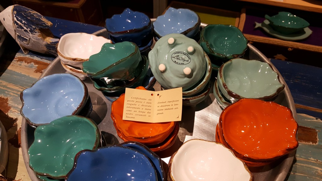 Ciotoline a conchiglia ostrica di ceramica.