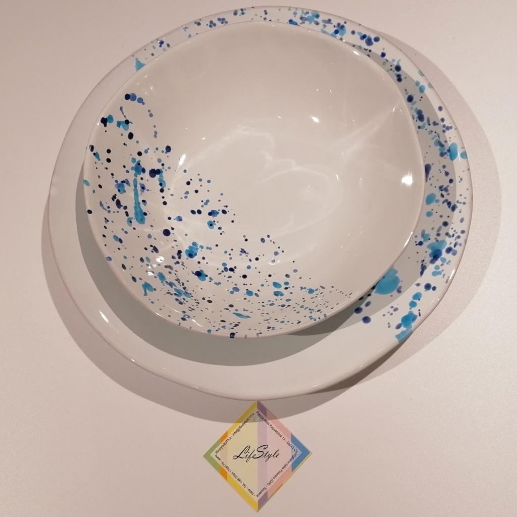 Piatti lentiggini blu