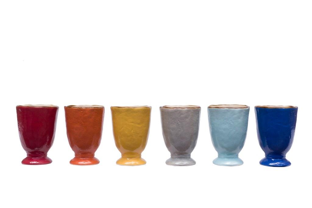 Bicchiere di ceramica resistente colorata
