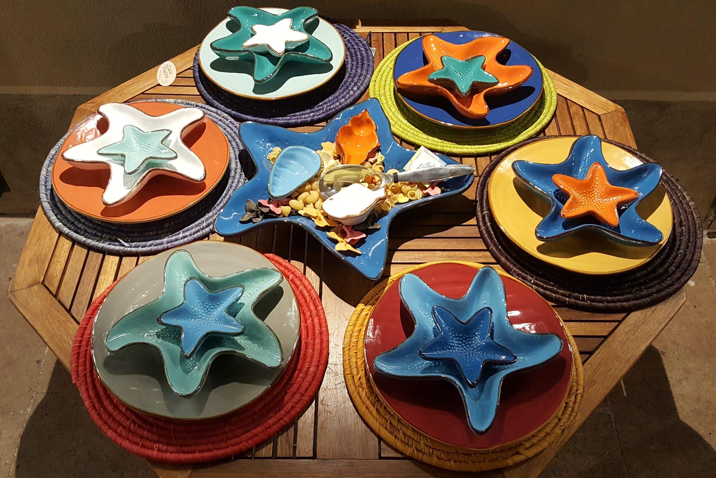 Piatti a forma di stella marina fatti e dipinti a mano in Italia, Toscana. Comprali al negozio LifeStyle di Castiglione della Pescaia (GR)